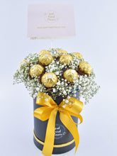 Load image into Gallery viewer, Ferrero Rocher Chocolate Box |Ipoh Free Delivery|ipohfreshflower.com