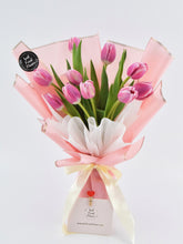 Load image into Gallery viewer, Tulip Bouquet| Ipoh Free Delivery| Ipohfreshflower.com