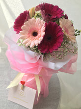Load image into Gallery viewer, Daisy Bouquet| Ipoh Free Delivery| Ipohfreshflower.com