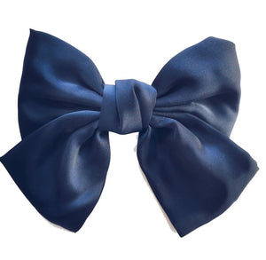 Giant hair bow