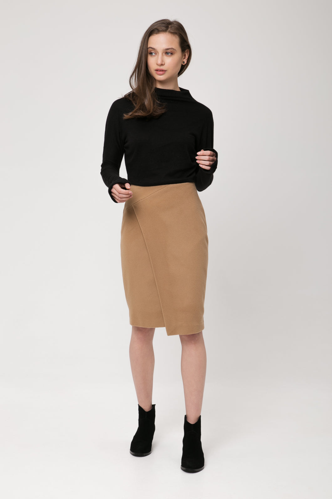 KANPAI Jupe midi mélange de laine vierge et cachemire/  KANPAI Midi skirt blend of virgin wool and cashmere