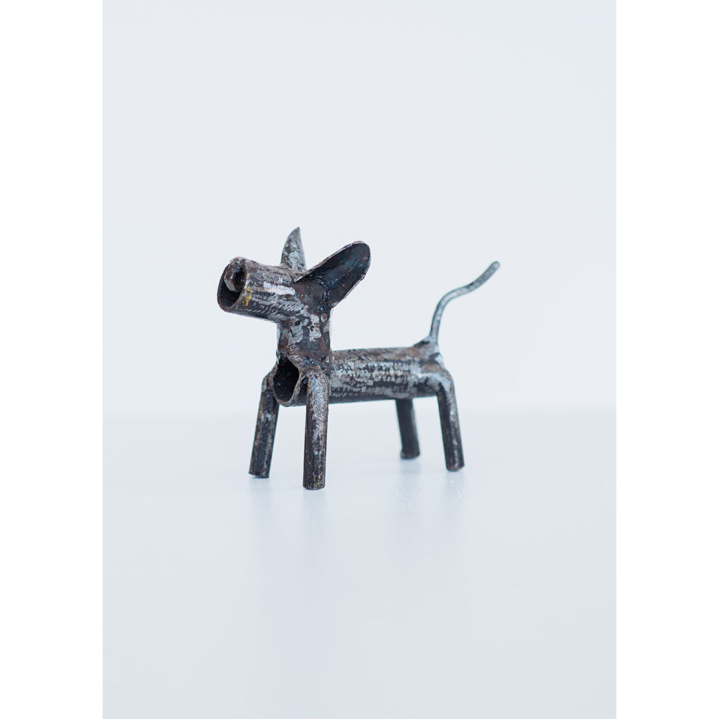 Recycled metal Fido dog