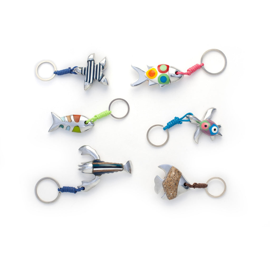 Resin key chain (recycled plastic) and recycled aluminum / Philippines