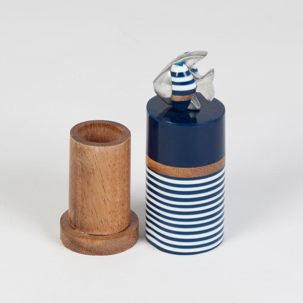 Toothpick holder in resin and recycled wood