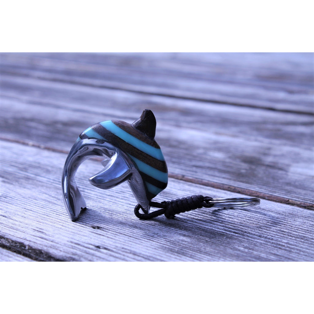 Dolphin key chain in resin (recycled plastic), wood and recycled aluminum