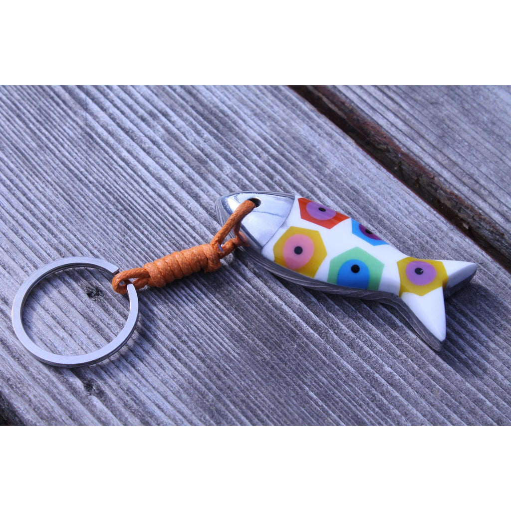 Fish key chain in resin (recycled plastic) and recycled aluminum / Philippines