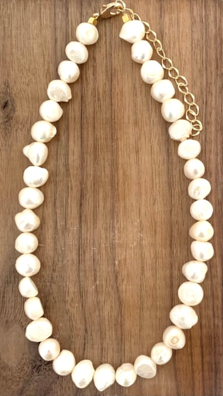 Rachel Pearl Necklace