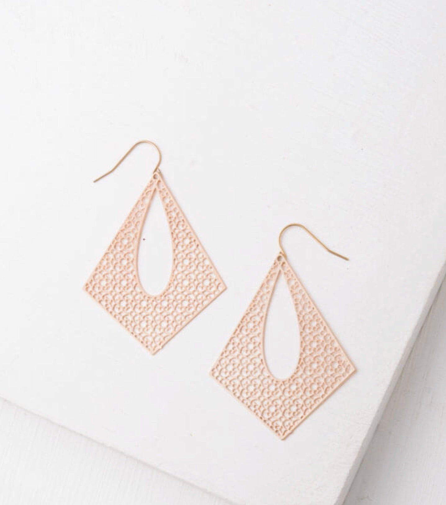 Everly Gold Filigree Earrings
