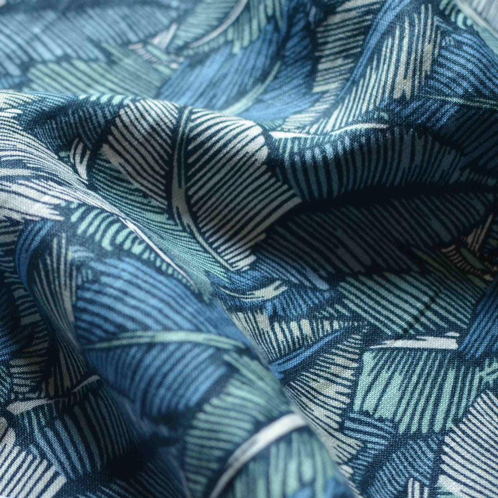 Tropical Blues – Lightweight Linen Print  – 1/2 yard