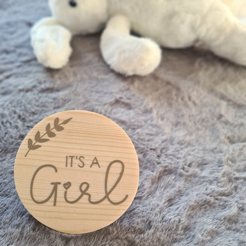 """It's a Boy / Girl"" gender reveal disc"