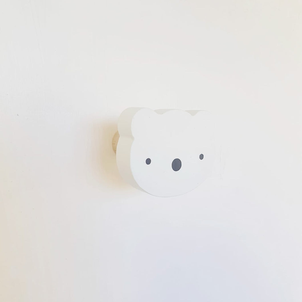 Polar bear wall hook