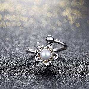 Pearl in a Flower Ring