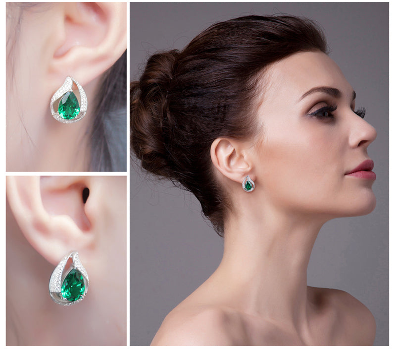 The Waterdrop Earrings in Emerald