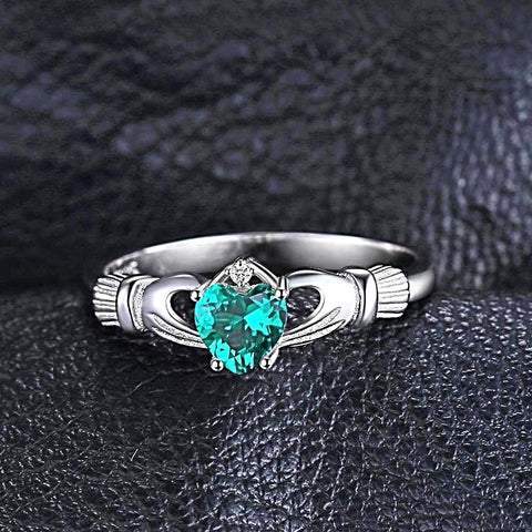 Gift to You (ring) in Emerald