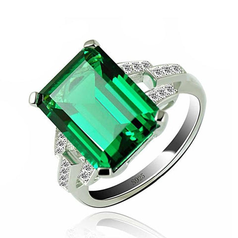 Image of The Bespoke Ring in Green Emerald
