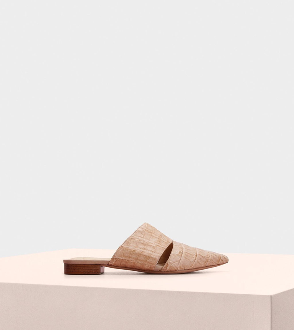 AURA FLAT MULE IN NUDE CROCODILE