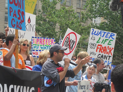 rally to ban fracking