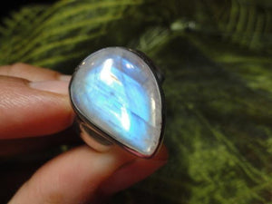 Chunky RAINBOW MOONSTONE GEMSTONE RING In Sterling Silver (Size 8) - Earth Family Crystals