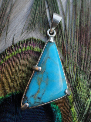 Gorgeous TURQUOISE PENDANT IN STERLING SILVER * (INCLUDES FREE SILVER CHAIN) - Earth Family Crystals