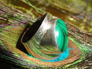 Gorgeous GREEN MALACHITE Sterling Silver Ring (Size 7) - Earth Family Crystals