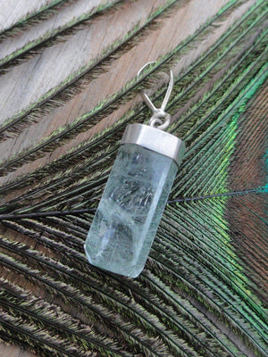 AQUAMARINE PENDANT IN STERLING SILVER (INCLUDES SILVER CHAIN) - Earth Family Crystals