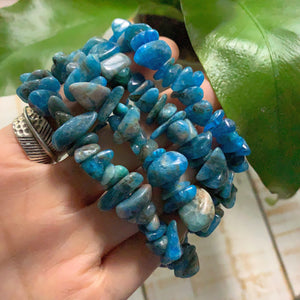 One Electric Blue Apatite Bracelet on Stretchy Cord