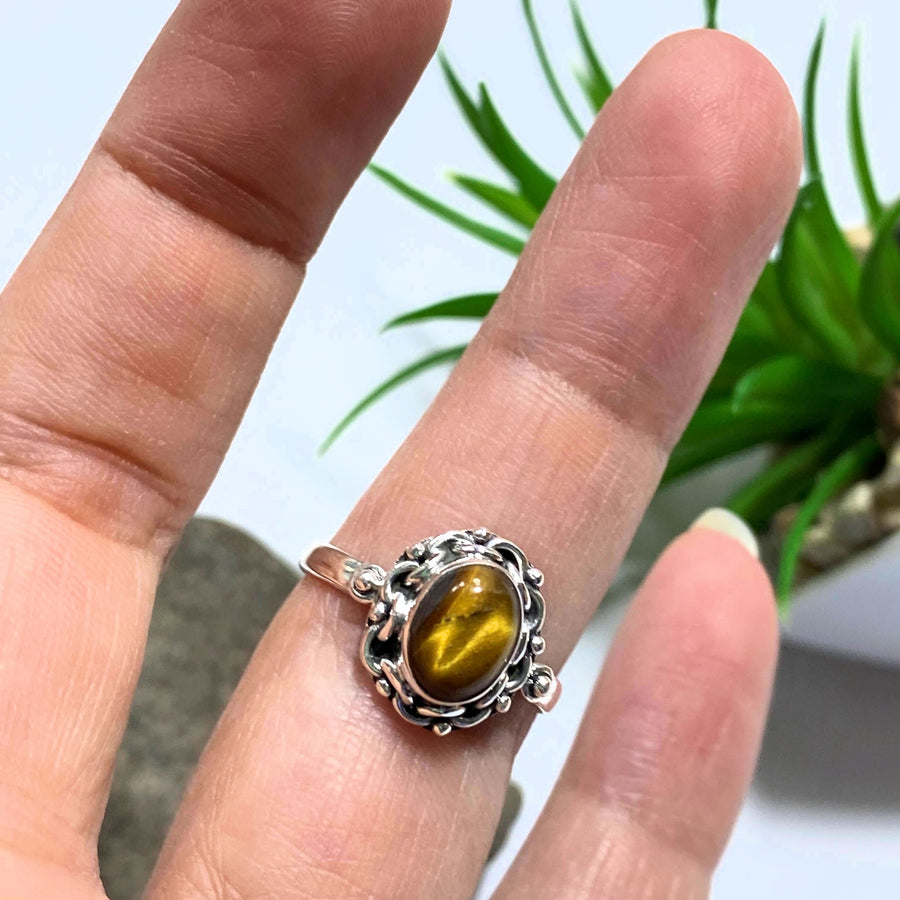 Tiger Eye Golden Glow Sterling Silver Ring (Size 7)