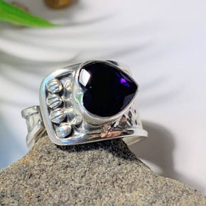 Faceted Deep Purple Amethyst Heart Sterling Silver Ring (Size Adjustable~ 6.5-7.5)