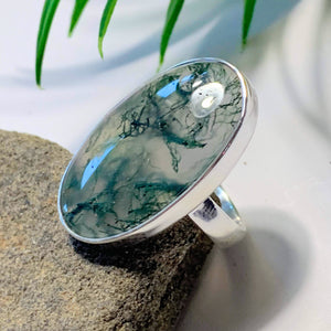 Deep Green Moss Agate Ring in Sterling Silver (Size: 6.5)