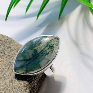 Deep Green Moss Agate Ring in Sterling Silver (Size: 7.5)