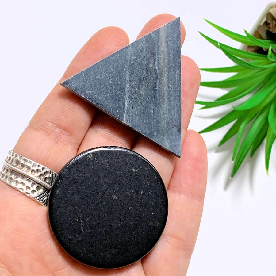 One Set Of Balancing Circle Shungite & Triangle Soapstone Pocket Harmonizers