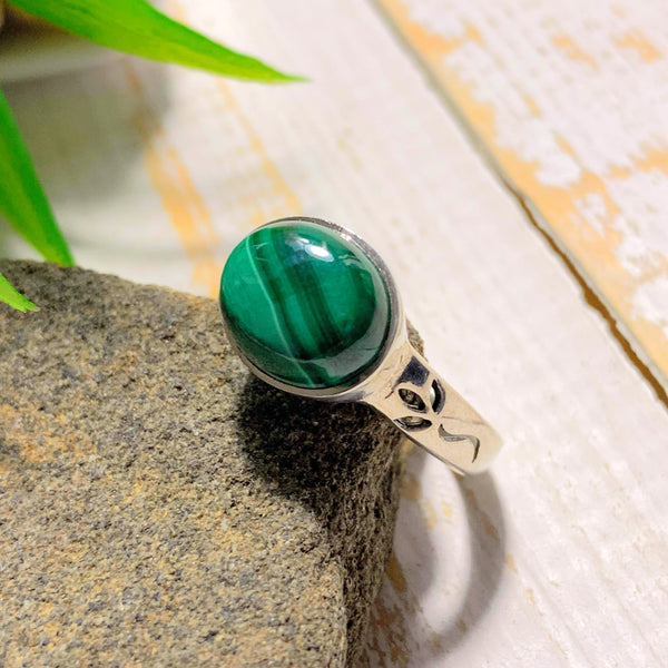 Delightful Green Patterns Malachite Sterling Silver Ring (Size 7)