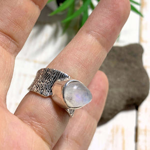 Lovely Rainbow Moonstone Ring in Sterling Silver (Size: 6) - Earth Family Crystals