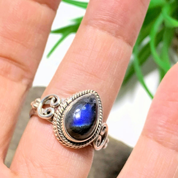 Deep Blue Labradorite Sterling Silver Ring (Size 7)