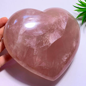 2.7 KG~Huge & Gorgeous Pink Rose Quartz Display Heart Carving~Locality Madagascar