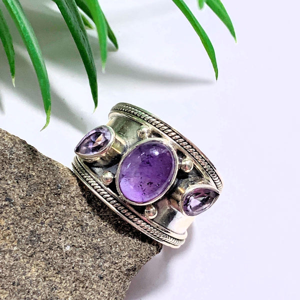 Gorgeous Faceted & Smooth Stone Amethyst Sterling Silver Ring (Size 8)