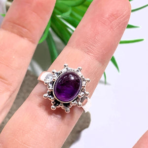 Lovely Purple Amethyst Sterling Silver Ring (Size 7)