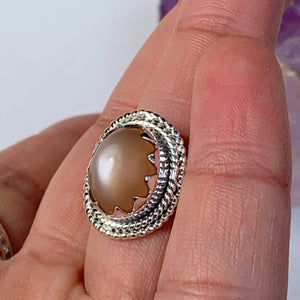 Elegant Creamy Peach Moonstone Gemstone Ring in Sterling Silver (Size 10)