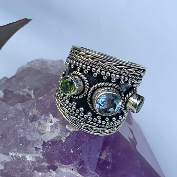 Chunky Faceted Blue Topaz & Peridot Ring in Sterling Silver (Size: 5.5) - Earth Family Crystals