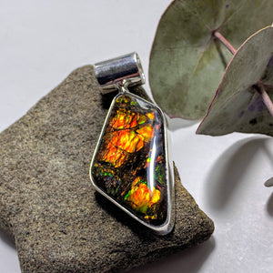 Gorgeous Flashy Genuine Alberta Ammolite Pendant in Sterling Silver (Includes Silver Chain) #4