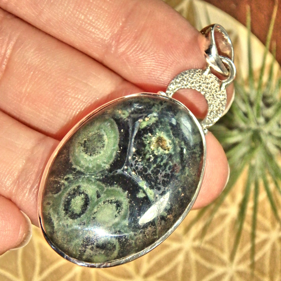 Forest Green Swirls Kambaba Jasper Sterling Silver Pendant (Includes Silver Chain)