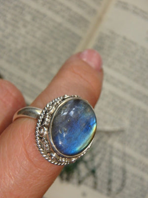Elegant Blue Flashes Labradorite Gemstone Ring In Sterling Silver (Size 8) - Earth Family Crystals