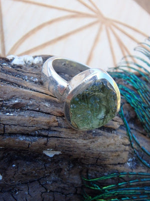 Amazing Raw Green Moldavite Gemstone Ring In Sterling Silver (Size 8) - Earth Family Crystals