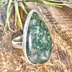Forest Green Moss Agate Sterling Silver Ring (Size 8)