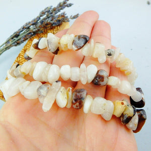 One Greenland Cryolite Bracelet on Stretchy Cord