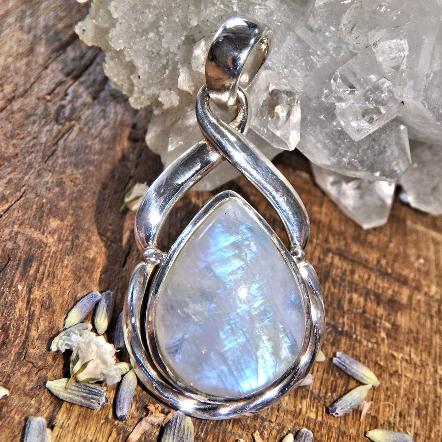 Elegant Rainbow Moonstone Sterling Silver Pendant (Includes Silver Chain) 8