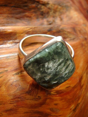 Cool Free-Form Shaped Seraphinite Ring In Sterling Silver (Size 9.5) - Earth Family Crystals