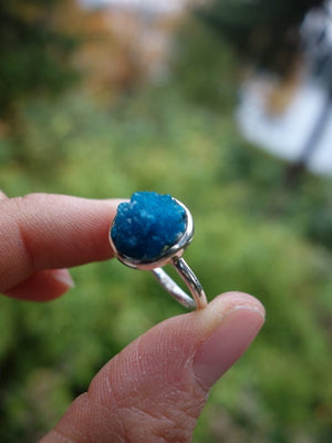 Cool Electric Blue Cavansite Moon Ring In Sterling Silver (Size 7.5) - Earth Family Crystals