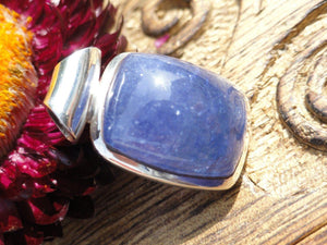 Amazing Lilac TANZANITE PENDANT In Sterling Silver * Includes Free Silver Chain - Earth Family Crystals