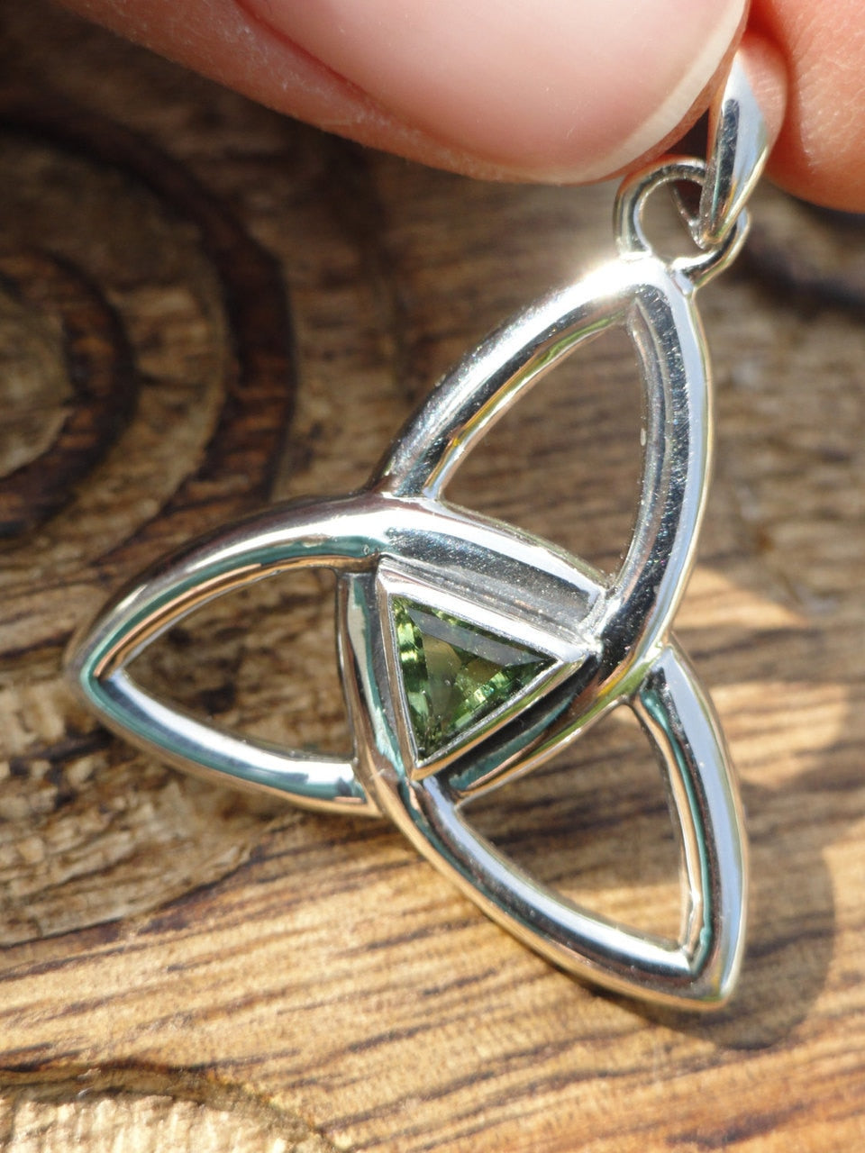 High Quality MOLDAVITE TRIQUETRA Sterling Silver Pendant * Includes Fr